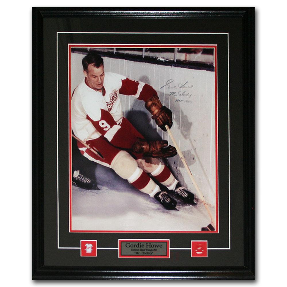Gordie Howe Autographed Detroit Red Wings Framed 16X20 Photo