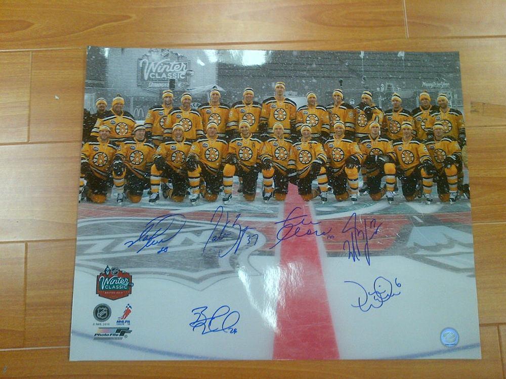 Boston Bruins 2010 Winter Classic MULTI-SIGNED 16X20 Photo - CHARA, LUCIC, RECCHI, etc