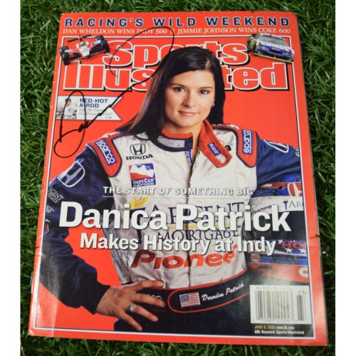 Photo of Rays Baseball Foundation Auction: Danica Patrick Autographed Sports Illustrated Cover