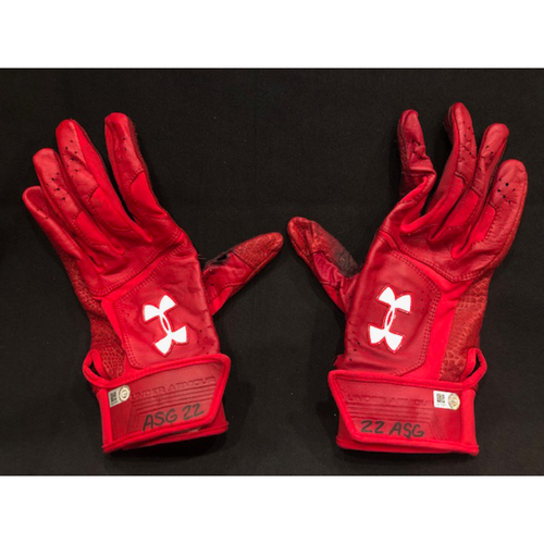 Photo of Derek Dietrich -- Game-Used Batting Gloves -- Dietrich Becomes 28th Red to Hit 3 Home Runs in a Game -- Pirates vs. Reds on May 28, 2019