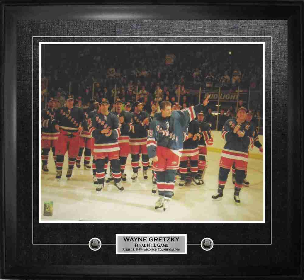Wayne Gretzky - Framed 16x20 Etched Mat  -  New York Rangers Final Game