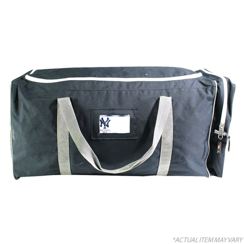 Photo of Aaron Hicks New York Yankees 2018 Team Issued #31 Travel Bag