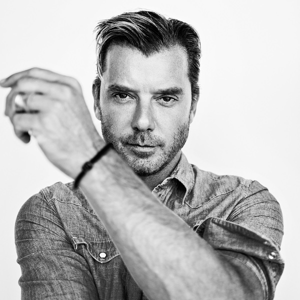 Click to view Backstage Dining Experience with Gavin Rossdale of Bush.