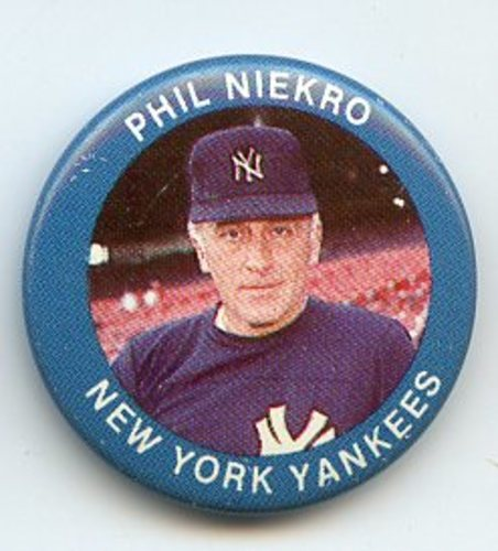 Photo of 1984 Fun Foods Pins #115 Phil Niekro