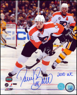 DANIEL BRIERE Philadelphia Flyers SIGNED 8x10 Photo w 2010 Winter Classic Note