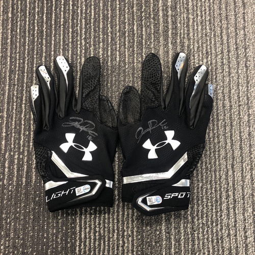 Photo of 2018 Team Issued Autographed Batting Gloves - #12 Joe Panik