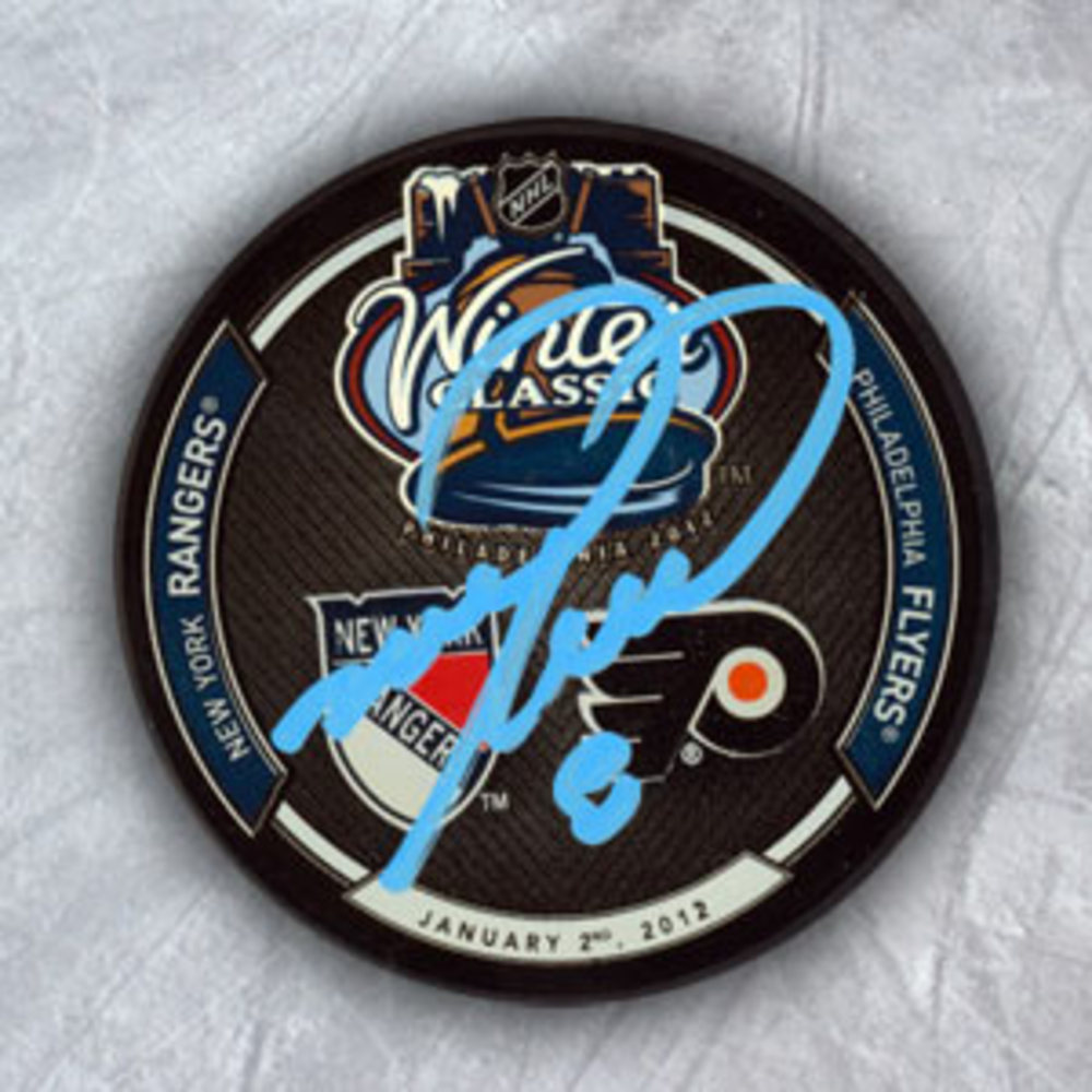 Mark Recchi Philadelphia Flyers Autographed 2012 Winter Classic Hockey Puck