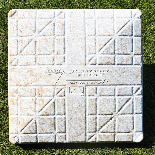 Game Used 1st Base - Luis Guillorme Hits First Career Home Run; McNeil Singles in the 8th - Innings 7-9 - Mets vs. Nationals - 8/10/2019