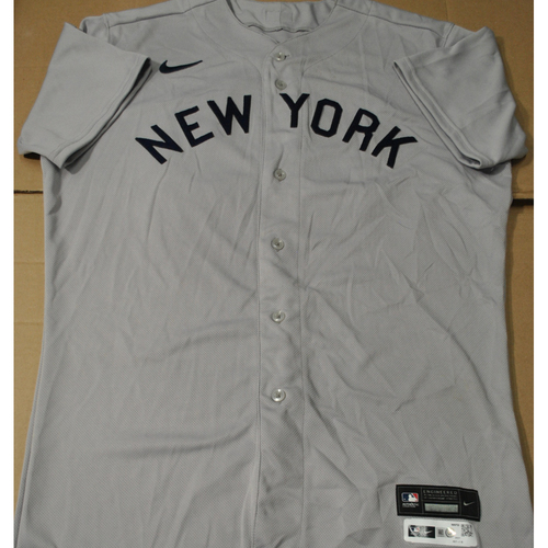 Photo of 2021 New York Yankees vs. Chicago White Sox in Dyersville, Iowa - Game-Used 1919 Throwback Jersey - Andrew Heaney - Size 46T