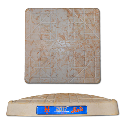 Photo of Game Used 1st Base - Jacob deGrom vs. Yu Darvish - Innings 7-9 - Mets vs. Dodgers - 8/4/17