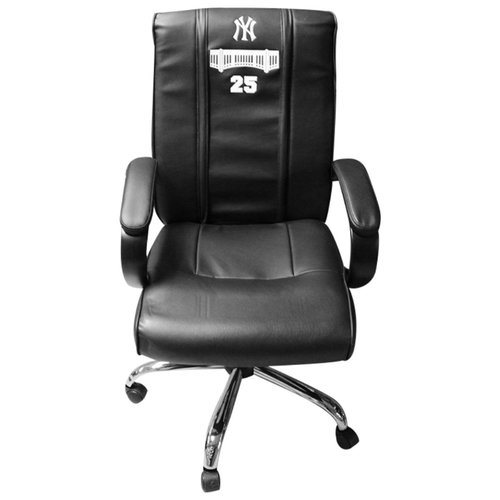 Photo of Gleyber Torres New York Yankees 2018 Game Used #25 Clubhouse Chair (9/23/2018, 10/3/2018, 10/8/2018)