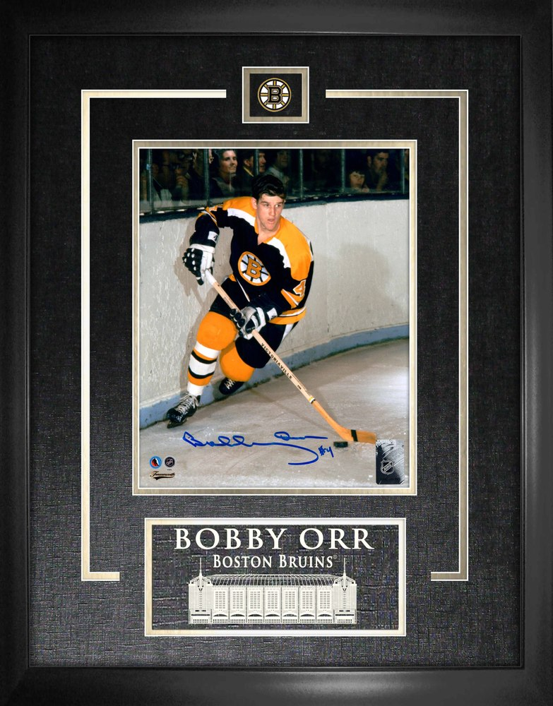 Bobby Orr - Signed & Framed 8x10 Etched Mat Bruins Dark Action Frame