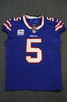 CRUCIAL CATCH - BILLS TYROD TAYLOR GAME WORN BILLS JERSEY W/ CAPTAINS PATCH (OCTOBER 22, 2017) SIZE 40