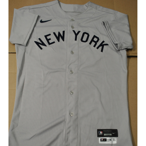 Photo of 2021 New York Yankees vs. Chicago White Sox in Dyersville, Iowa - Game-Used 1919 Throwback Jersey - Andrew Velazquez - Size 42