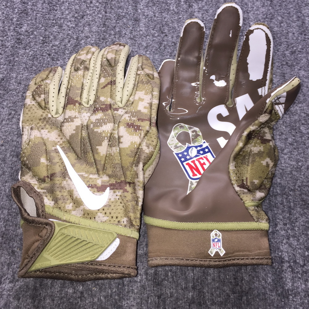 STS - Broncos Andy Janovich Game Used Gloves (11/4/18)