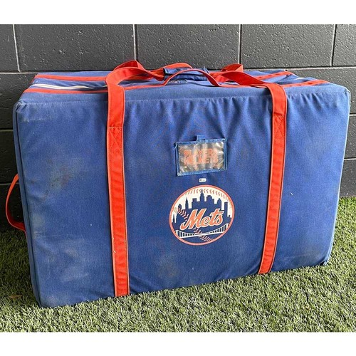 Photo of Team Issued Helmet Bag - Collected After 2016 NL Wild Card Game - Mets vs. Giants - 10/5/16
