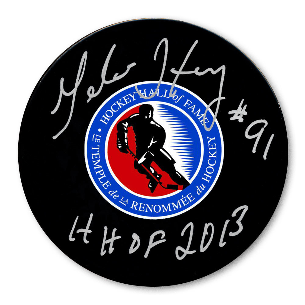 Geraldine Heaney Hockey Hall of Fame HOF Autographed Puck
