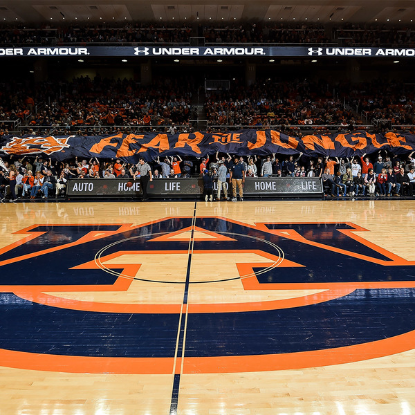 Auburn Tigers Official Auctions Basketball Gameday Post