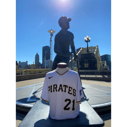 Photo of Game-Used Roberto Clemente Day Jersey - Luis Oviedo - PIT vs. CIN - 9/15/2021