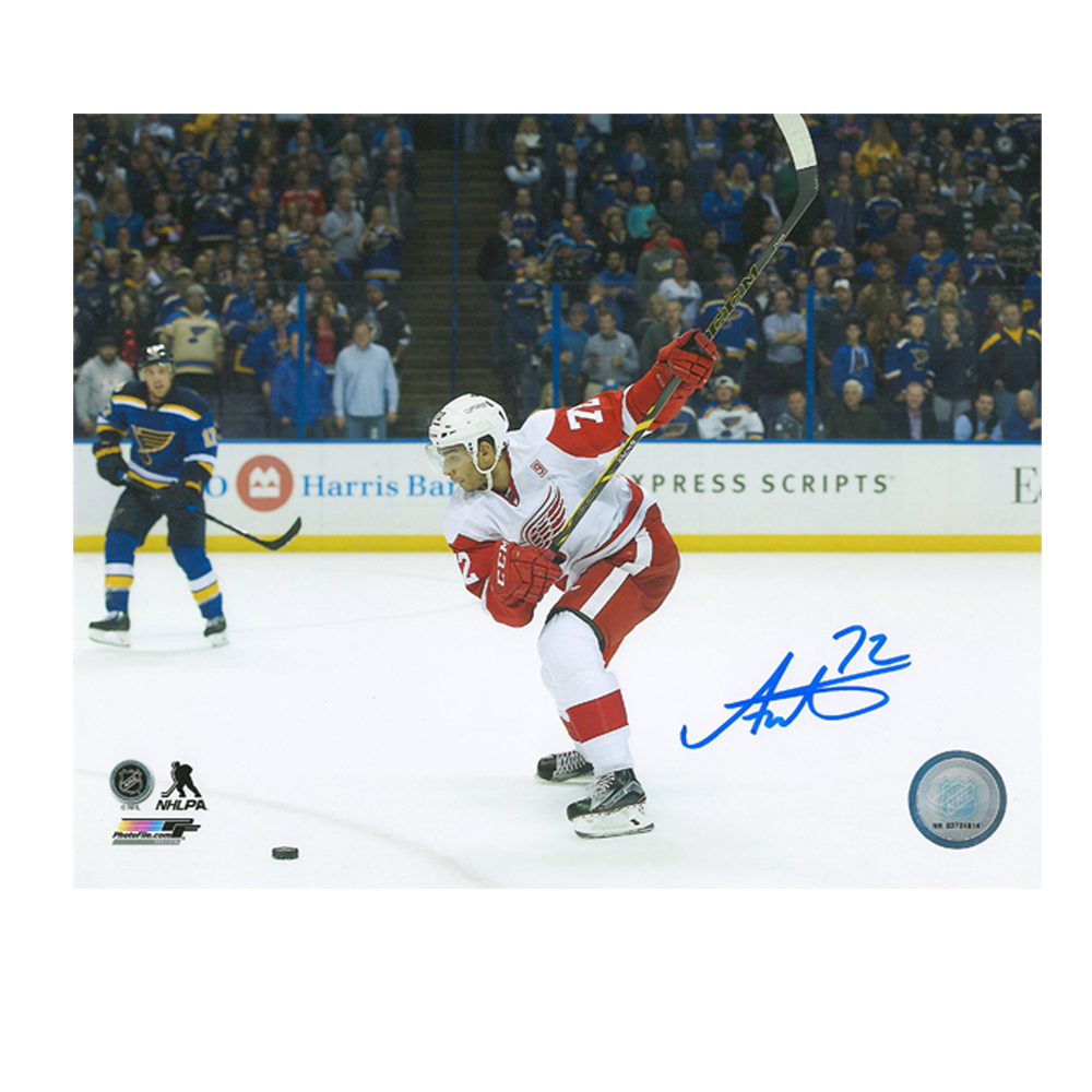 ANDREAS ATHANASIOU Detroit Red Wings 8 X 10 Photo - 70146A