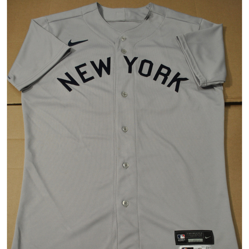 Photo of 2021 New York Yankees vs. Chicago White Sox in Dyersville, Iowa - Game-Used 1919 Throwback Jersey - Jonathan Davis - Size 42