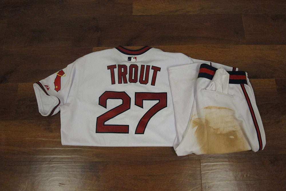 brand new ae3ce 81bf2 MLB Auctions | Mike Trout 2014 Game-Used 70s Throwback ...