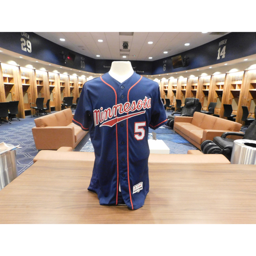 2016 Eduardo Escobar Game-Used Jersey