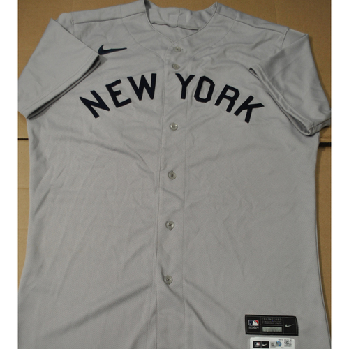 Photo of 2021 New York Yankees vs. Chicago White Sox in Dyersville, Iowa - Game-Used 1919 Throwback Jersey - Rob Brantly - Size 44