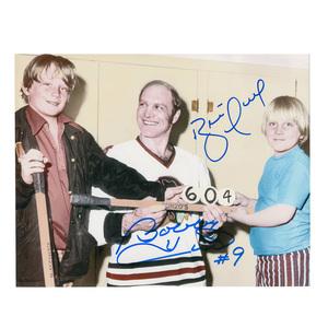 BOBBY   BRETT HULL Signed Vintage Family 8 X 10 Photo - 70273BOBBY   BRETT  HULL Signed Vintage Family 8 X 10 Photo - 70273 b4935c4b34ac