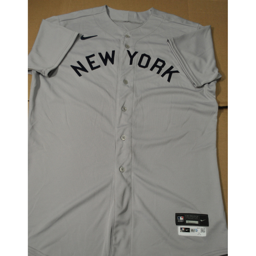 Photo of 2021 New York Yankees vs. Chicago White Sox in Dyersville, Iowa - Game-Used 1919 Throwback Jersey - Aaron Judge - Size 48