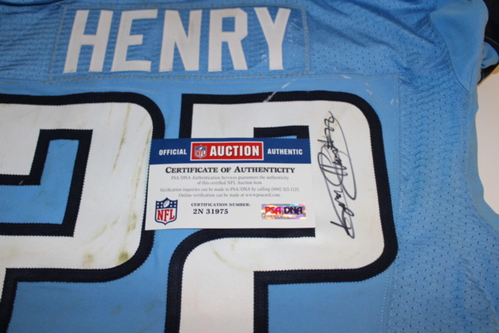 1a27c0f2e ... BCA - TITANS DERRICK HENRY GAME WORN AND SIGNED TITANS JERSEY (OCTOBER  9 2016)