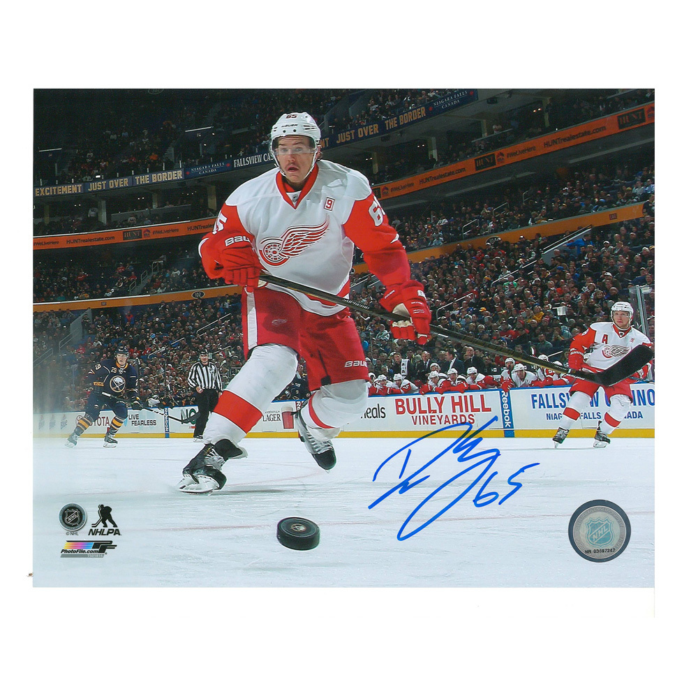 DANNY DEKEYSER Signed Detroit Red Wings 8 x 10 Photo - 70255 A
