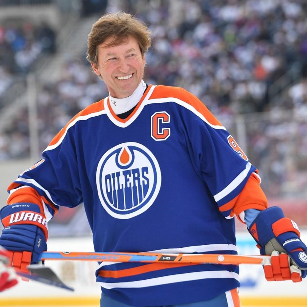 Wayne Gretzky #99 - 2016 NHL Heritage Classic Alumni Game ...
