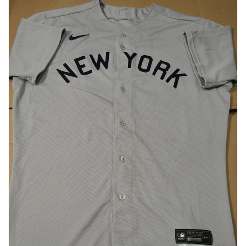 Photo of 2021 New York Yankees vs. Chicago White Sox in Dyersville, Iowa - Game-Used 1919 Throwback Jersey - Joely Rodriguez - Size 46T