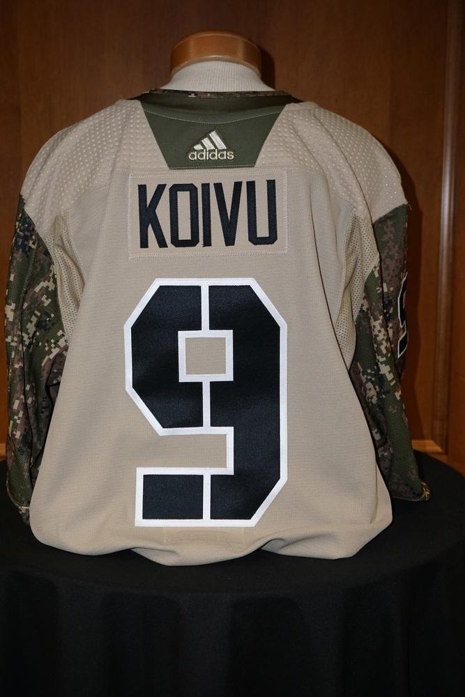 Mikko Koivu Minnesota Wild  2018-19 Camouflage Warm-Up Jersey (Size 58)