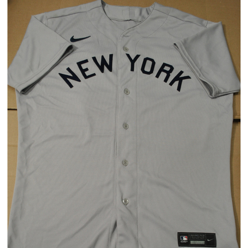 Photo of 2021 New York Yankees vs. Chicago White Sox in Dyersville, Iowa - Game-Used 1919 Throwback Jersey - Zack Britton - Size 46T