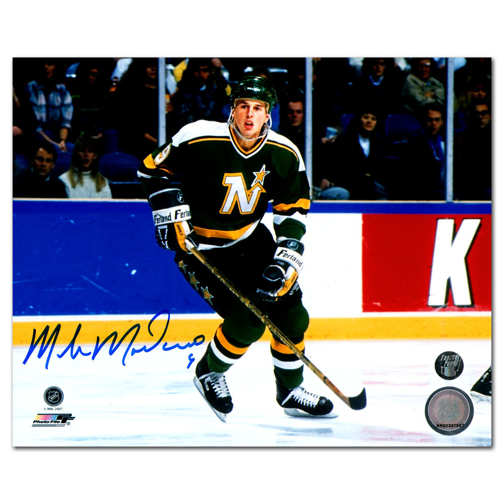 Mike Modano Autographed Minnesota North Stars 8X10 Photo (Dallas Stars)