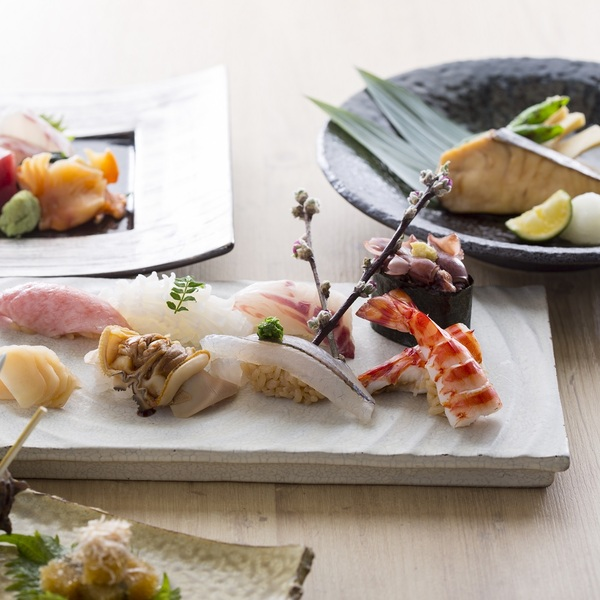 Photo of TSUKIJI Fish Market Tour and Make Your Own Sushi with Hilton Tokyo