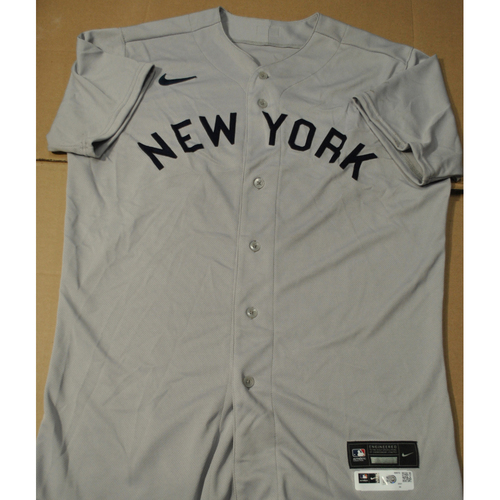 Photo of 2021 New York Yankees vs. Chicago White Sox in Dyersville, Iowa - Game-Used 1919 Throwback Jersey - Carlos Mendoza - Size 44