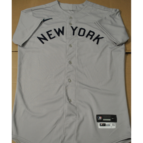 Photo of 2021 New York Yankees vs. Chicago White Sox in Dyersville, Iowa - Game-Used 1919 Throwback Jersey - Reggie Willits - Size 44