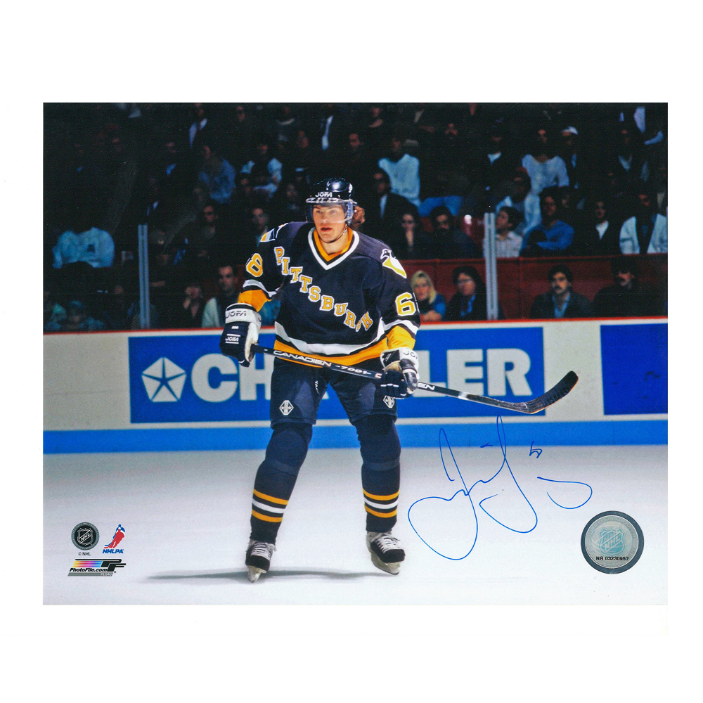 JAROMIR JAGR Signed Pittsburgh Penguins 8 X 10 Photo - 70305
