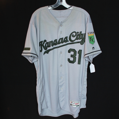 Photo of Game-Used Jersey: Ian Kennedy (Size 48 - KC @ TEX - 5/27/18)