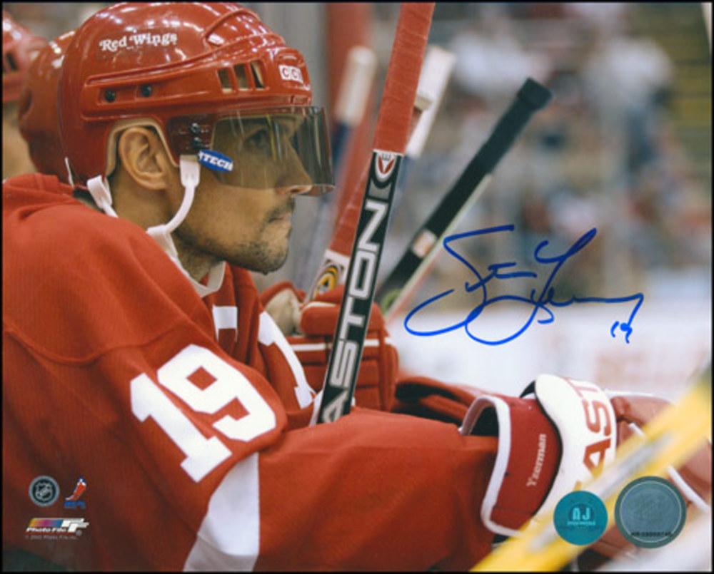 STEVE YZERMAN Autographed Detroit Red Wings 8x10 Bench Close Up Photo