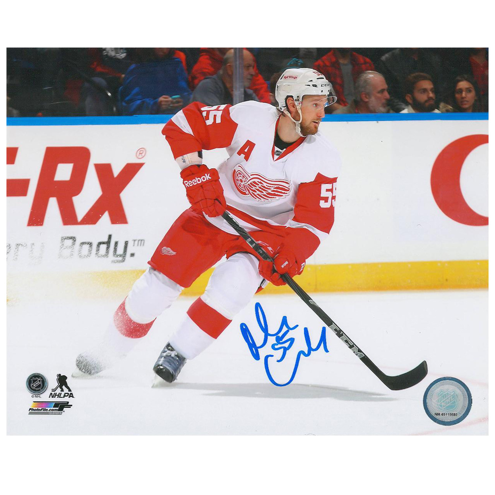NIKLAS KRONWALL Signed Detroit Red Wings 8 X 10 Photo - 70308