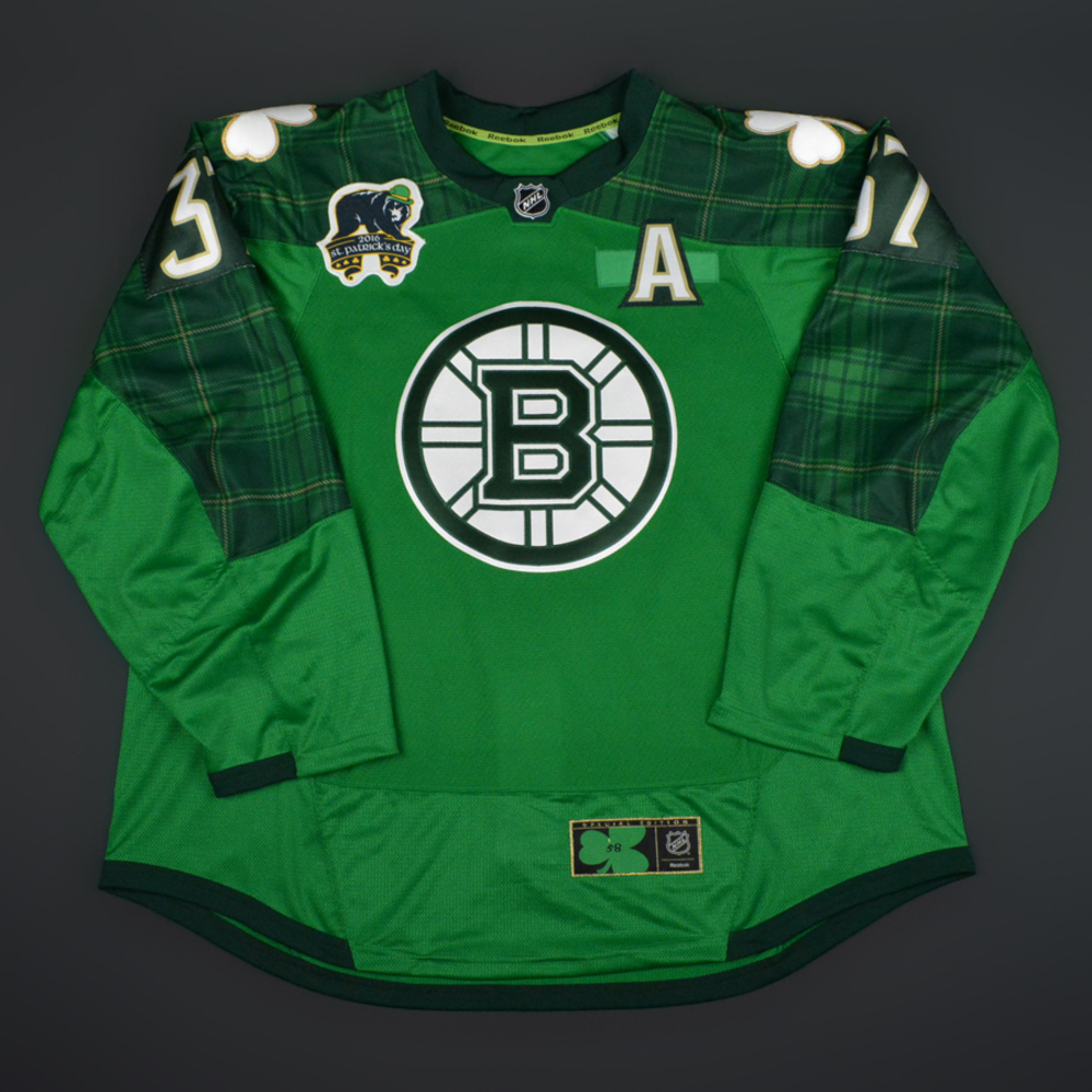 new style 10845 58c2a Patrice Bergeron - Boston Bruins - St. Patricks's Day Warmup ...