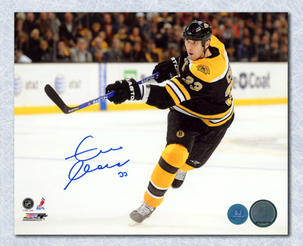 Zdeno Chara Boston Bruins Autographed Norris Season Action 8x10 Photo