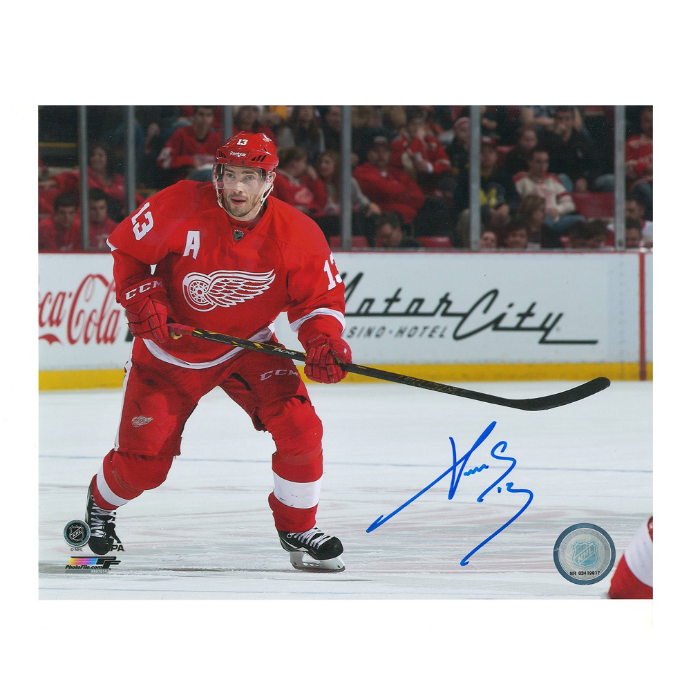 PAVEL DATSYUK Signed Detroit Red Wings 8 X 10 Photo - 70317