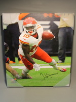 CHIEFS - TYREEK HILL SIGNED 16X20 CANVAS PRINT