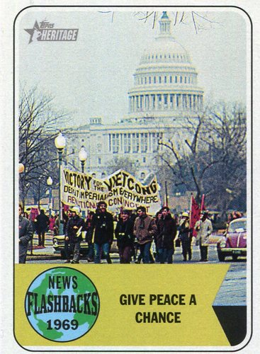 Photo of 2018 Topps Heritage News Flashbacks #NF13 Vietnam War Protest March on Washington