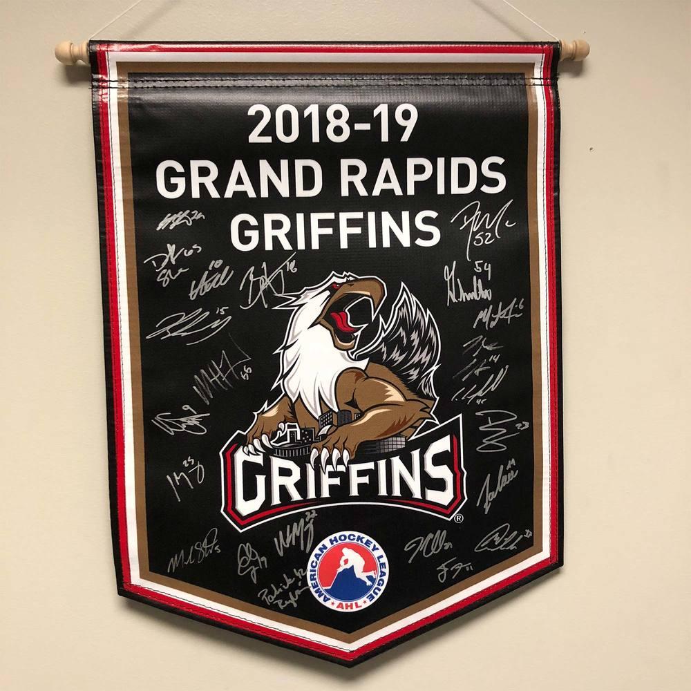 2018-19 Grand Rapids Griffins Team-Signed Banner